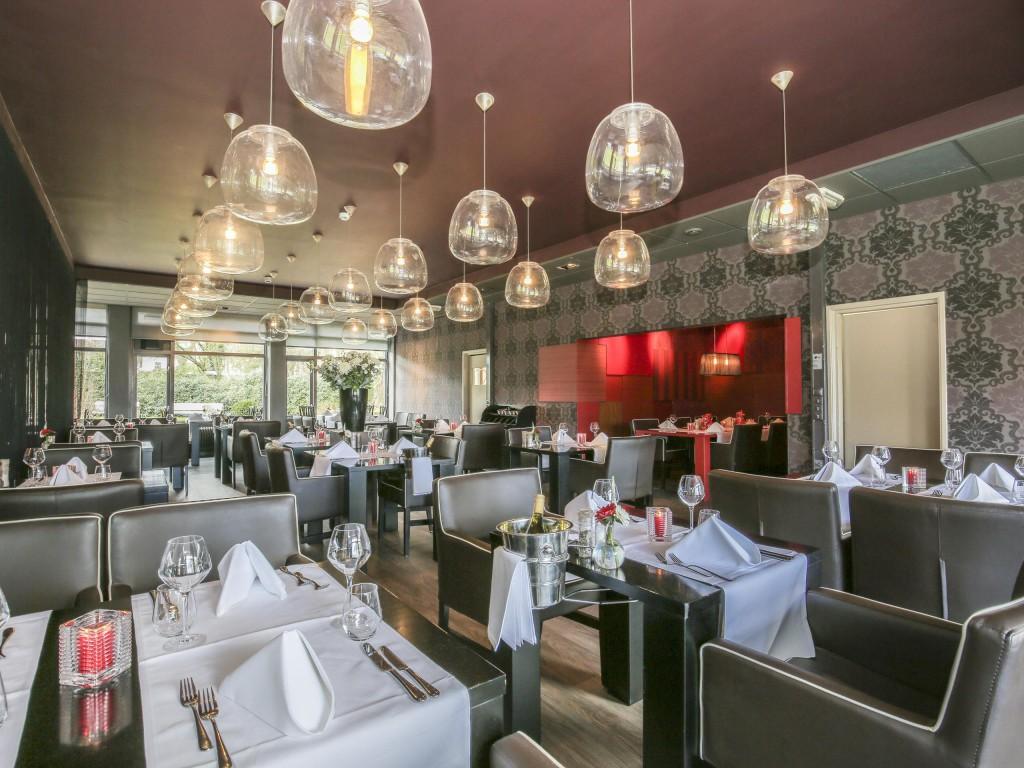 Restaurant daterende medewerkers Italiaanse dating en huwelijk